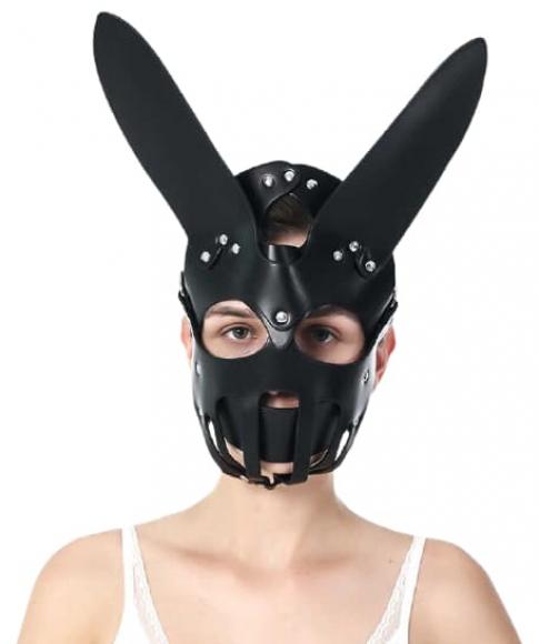 Черная маска с закрытым подбородком