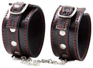 Черные наручники с красной строчкой